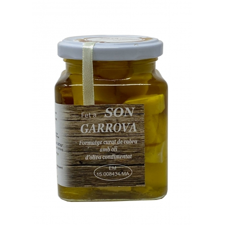Queso de cabra con ajo en aceite de oliva