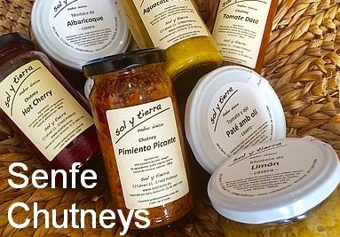 Senfe, Soßen und Chutney - vieles aus eigener Herstellung (Pollença / Mallorca)